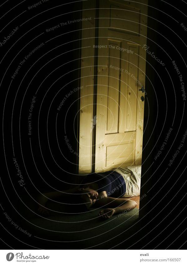 The last day Mensch Jugendliche feminin Tod Tür liegen Junge Frau