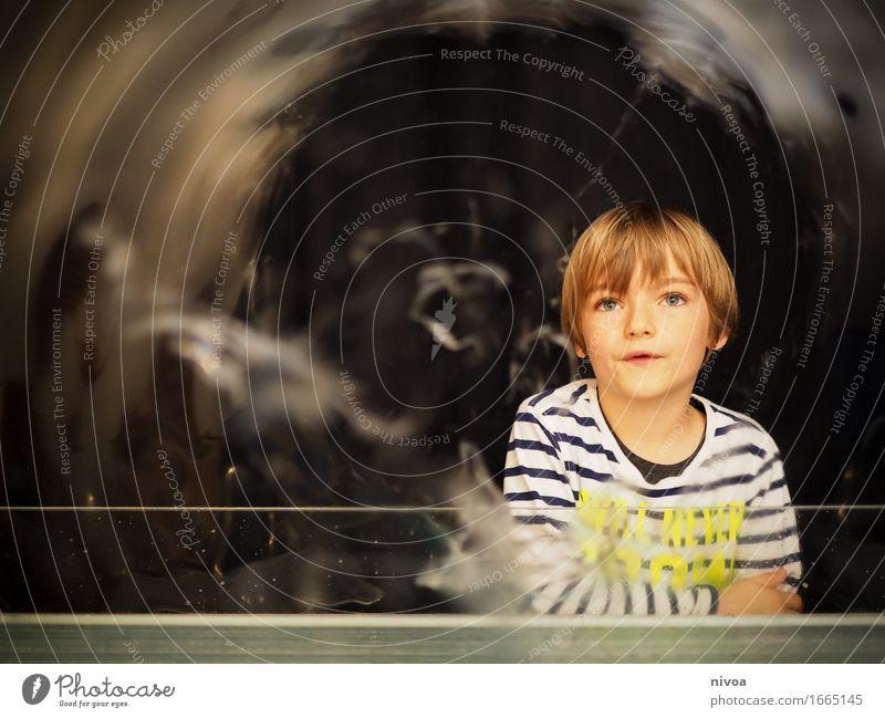 Seifenblasen2 Mensch Kind schön Wasser Bewegung Junge Kopf glänzend blond authentisch Kindheit Ausflug groß einzigartig beobachten Abenteuer