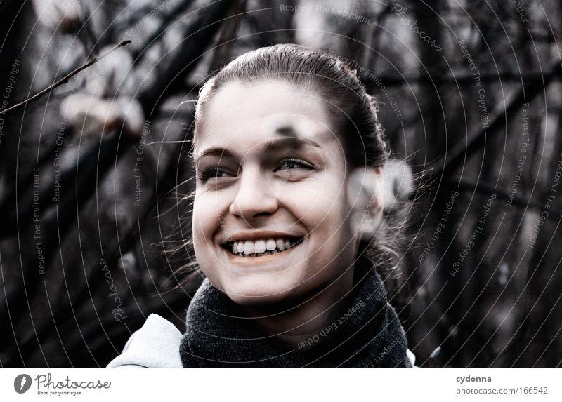 Glück Mensch Frau Natur Jugendliche schön Freude Gesicht Erwachsene Leben feminin Gefühle Freiheit lachen Glück träumen Zufriedenheit