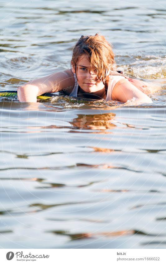 Blau machen | im schwäbischen Meer... Mensch Natur Ferien & Urlaub & Reisen Sommer Wasser Sonne Erholung ruhig Freude Mädchen Strand Leben feminin Gesundheit