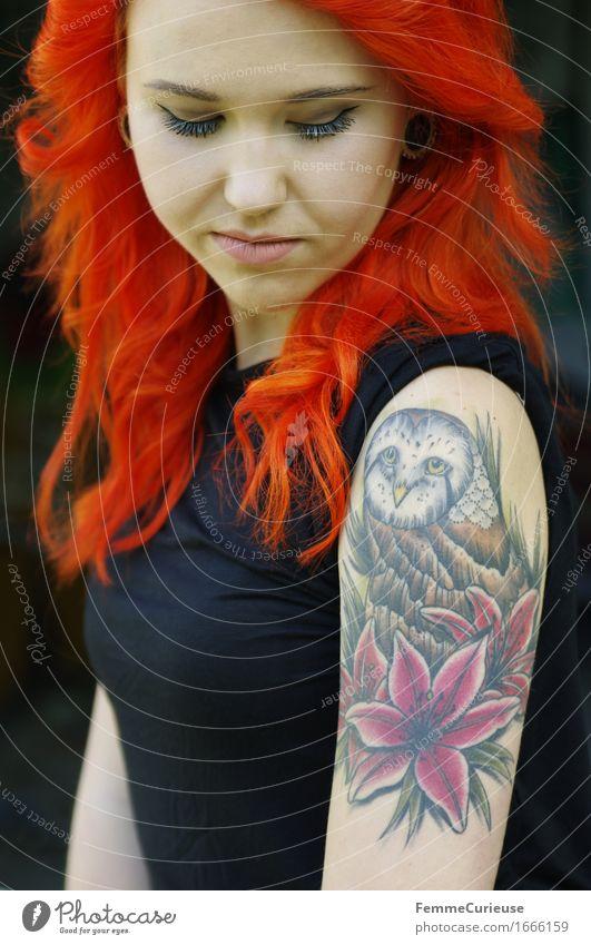 CityGirl_ID1666159 Lifestyle Stil feminin Junge Frau Jugendliche Erwachsene Mensch 18-30 Jahre ästhetisch einzigartig Inspiration Kunst Körperbewusstsein