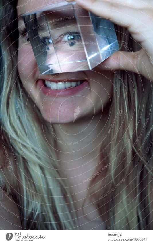 durchschaut! Mensch Frau Jugendliche Junge Frau 18-30 Jahre Erwachsene Auge Leben feminin außergewöhnlich blond beobachten entdecken langhaarig Euphorie