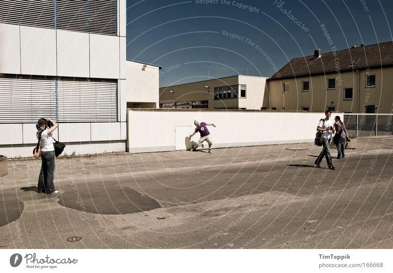 [PC-Usertreff Ffm]: Frankfurter Faxen Außenaufnahme Weitwinkel Freizeit & Hobby Mensch maskulin Junge Frau Jugendliche Junger Mann Freundschaft 4 18-30 Jahre