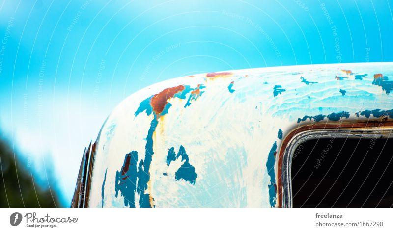 Gute alte Zeit Verkehr Autofahren PKW Oldtimer Stahl Rost Originalität schön blau braun mehrfarbig gelb grün Senior Design Verfall Vergangenheit Farbfoto