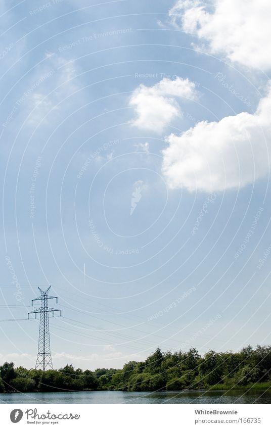 See unter Strom Farbfoto Außenaufnahme Textfreiraum oben Tag Starke Tiefenschärfe Natur Himmel Wolken Sommer Schönes Wetter Seeufer Idylle Umwelt