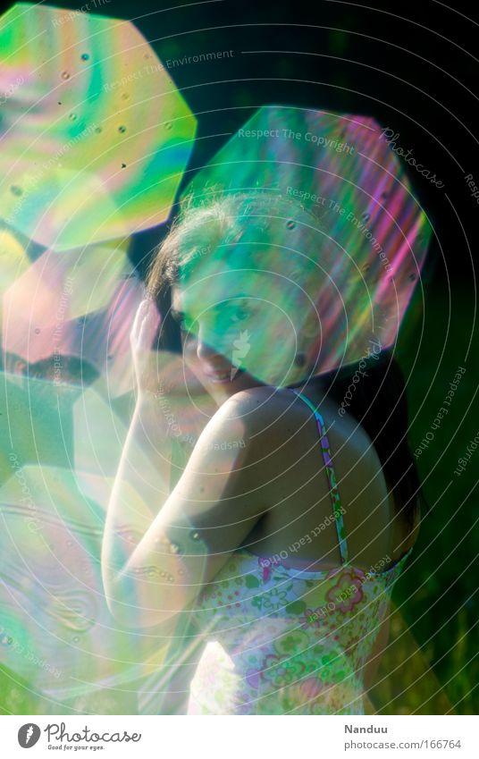 Das Mädchen hinterm Regenbogen Mensch Jugendliche schön Sommer Freude feminin Glück Zufriedenheit glänzend Erwachsene elegant Wellness weich Kleid Kitsch