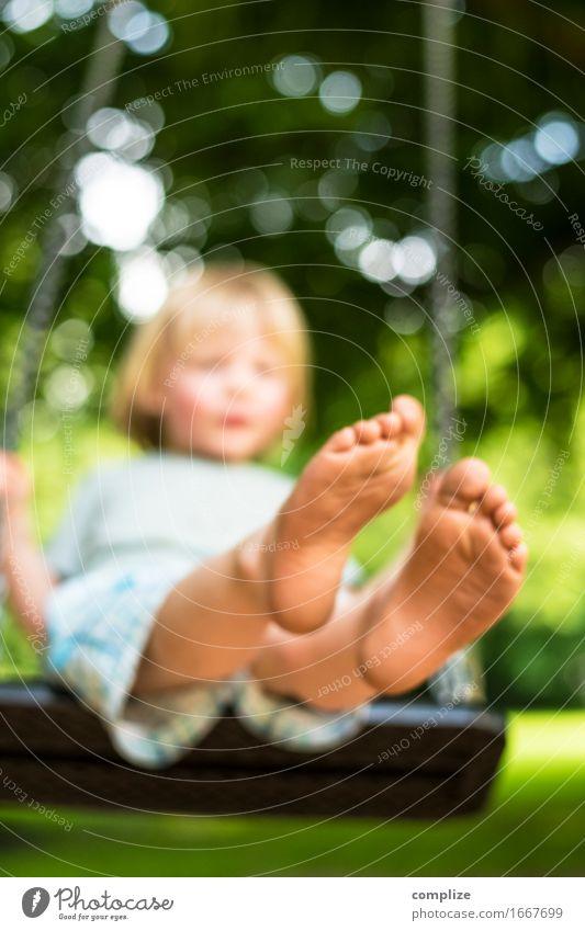 Sommer Bild Kind Natur Sonne Erholung Freude Erwachsene Sport Beine Gesundheit Spielen Glück Fuß Freizeit & Hobby Zufriedenheit Fröhlichkeit