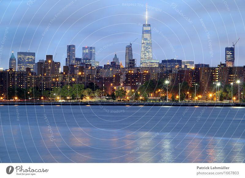 Großstadtidylle New York Tourismus Sightseeing Städtereise Wellen Wohnung Haus Arbeitsplatz Handel Börse Umwelt Landschaft Wasser Himmel Nachthimmel Flussufer