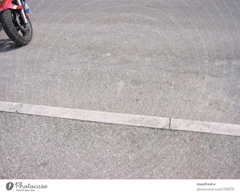 SuperBike Straße Verkehr Italien Motorrad parken