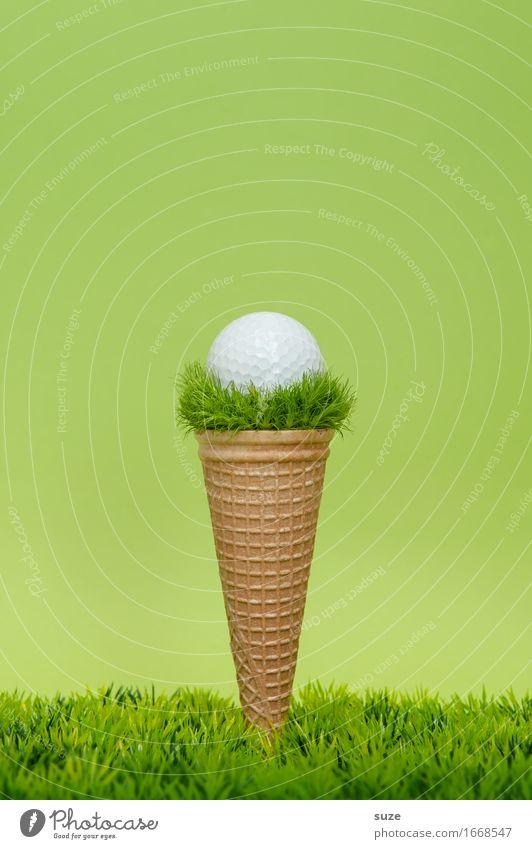 1 Kugel Puttgarten grün Freude Speise Foodfotografie Essen Wiese Sport Spielen außergewöhnlich Lebensmittel Design Ernährung Erfolg Kreativität Idee Speiseeis