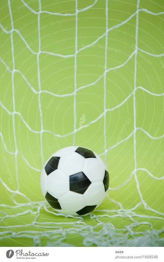 Torheit grün Freude Sport Spielen Feste & Feiern Deutschland Design Freizeit & Hobby Erfolg einfach Fußball Fitness rund Ziel Netzwerk sportlich