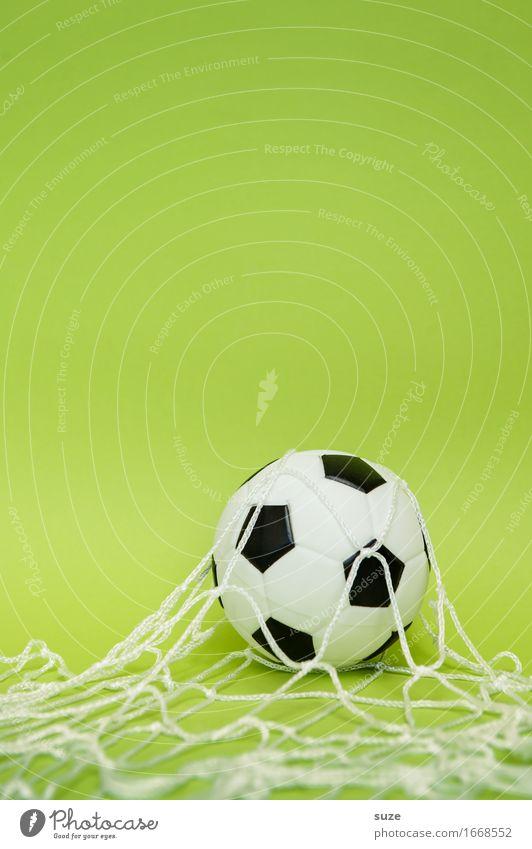 Drin ist drin! Design Freude Freizeit & Hobby Spielen Feste & Feiern Sport Ballsport Sportveranstaltung Erfolg Fußball Fußballplatz Team Leder Netz Fitness