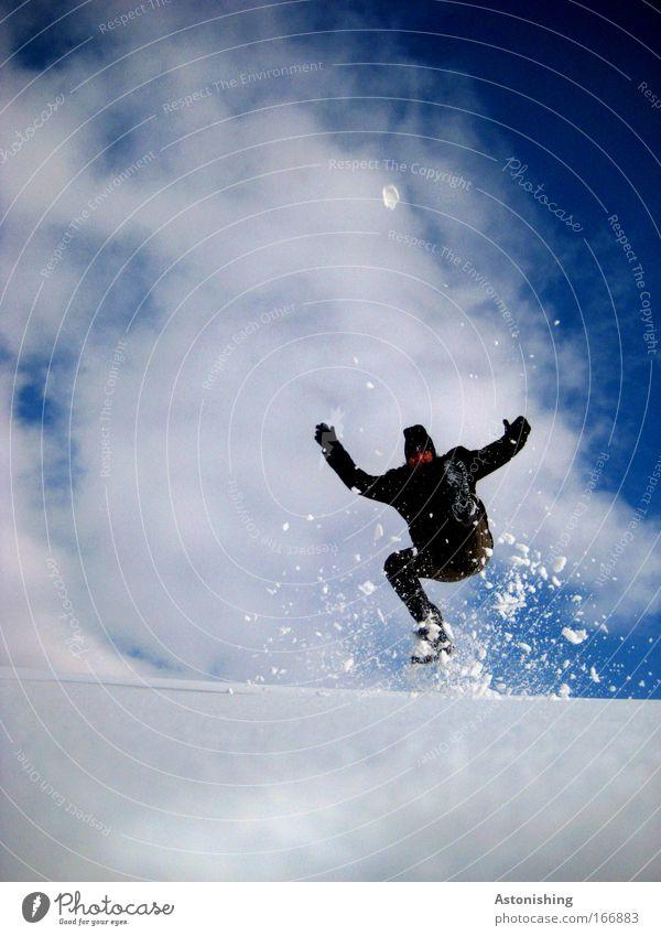 KÜHL-MAN 2 Mensch Himmel Mann Natur Jugendliche blau Hand weiß Winter Erwachsene Schnee Umwelt Landschaft Spielen Wege & Pfade springen