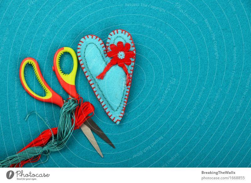 Handwerk und Kunst, blaues handgemachtes Spielzeugherz, -gewinde und -scheren Design Freizeit & Hobby Basteln Handarbeit Valentinstag Muttertag Schere Kunstwerk