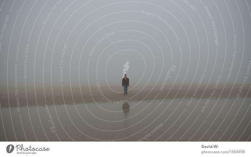 Verlassen | ist dieser Ort definitiv Mensch maskulin Mann Erwachsene Leben 1 Kunst Kunstwerk Umwelt Herbst schlechtes Wetter Nebel Strand Nordsee Ostsee Insel
