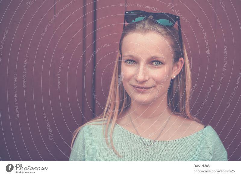 hübsch II Gesicht Gesundheit Leben harmonisch Wohlgefühl Zufriedenheit ruhig Schüler Mensch Junge Frau Jugendliche Erwachsene 1 Lächeln Lebensfreude