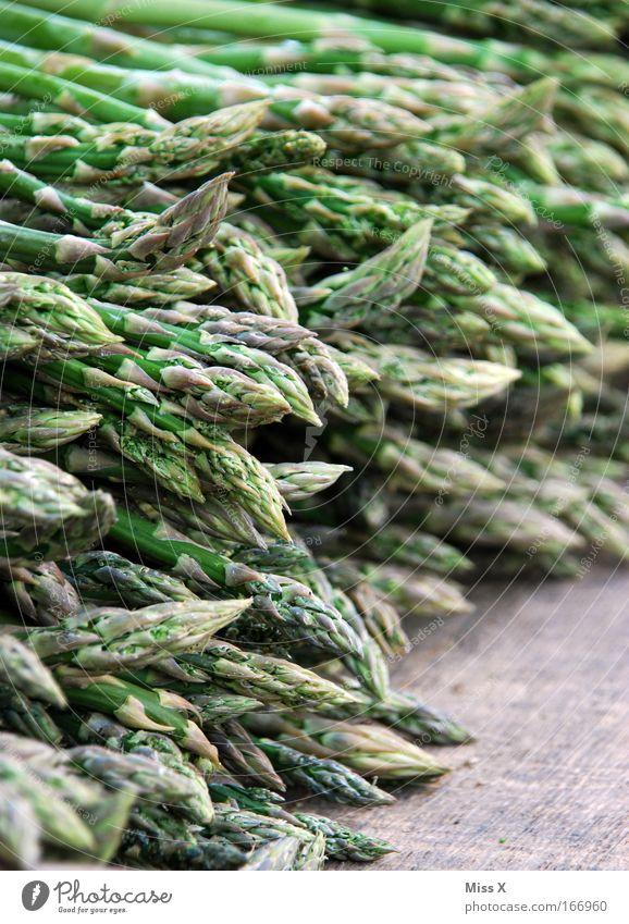 Spargelzeit Farbfoto Detailaufnahme Menschenleer Lebensmittel Gemüse Ernährung Bioprodukte Nutzpflanze frisch Gesundheit grün Spargelspitze grüner Spargel