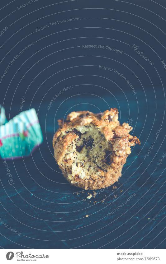 hausgemachte muffins walnuß & schoko Dessert Valentinstag Liebe trendy lecker Cake Bake baked bakery baking brown Brunch chocolate crumble Cupcake cups