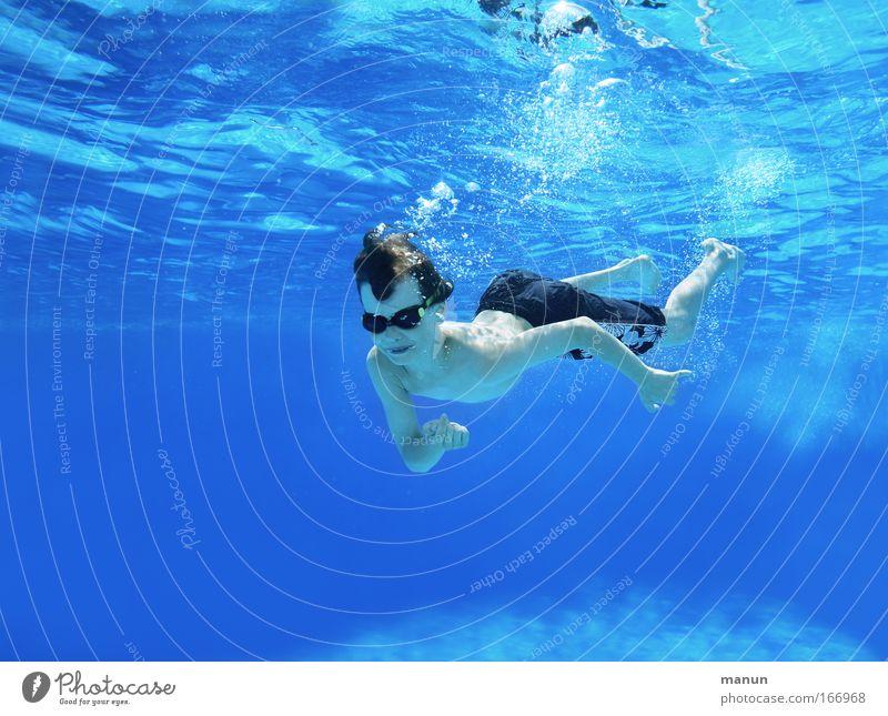 little flipper Mensch Kind Jugendliche blau Sommer Freude Erholung Leben Junge Glück Kindheit Schwimmen & Baden frei frisch Fröhlichkeit Coolness