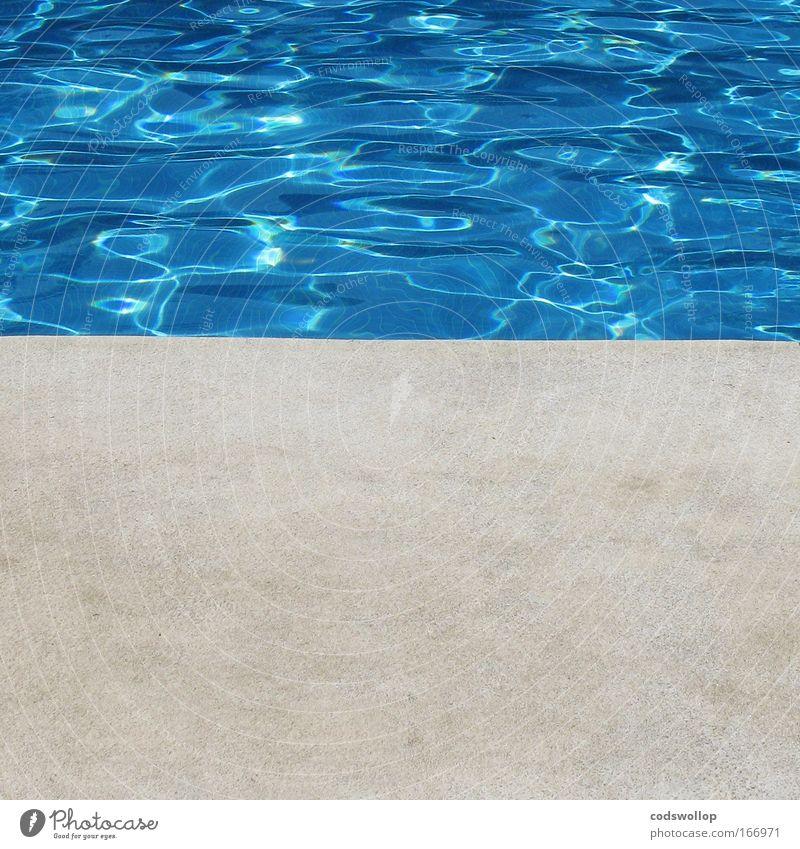poolside Farbfoto Außenaufnahme Tag Sonnenlicht Reichtum Wellness Sommer Sommerurlaub Wasser Wellen Schwimmbad Beton Erholung fest Flüssigkeit frisch