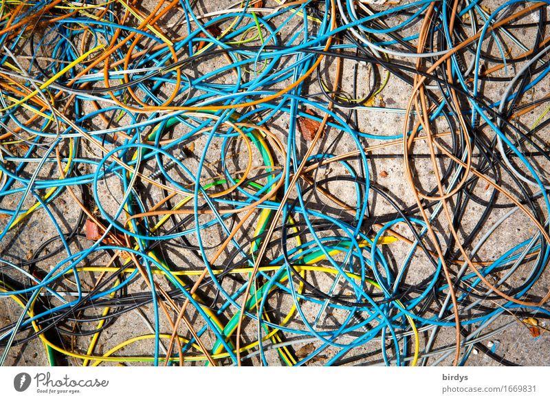 Kabelsalat Handwerk Baustelle einzigartig mehrfarbig chaotisch Desaster Misserfolg Ordnung formatfüllend durcheinander unordentlich Farbfoto Außenaufnahme