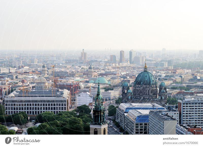 Himmel über Berlin Ferien & Urlaub & Reisen Stadt Sommer Sonne Haus Architektur Deutschland Tourismus Park Hochhaus Aussicht Kirche Zukunft Wandel & Veränderung