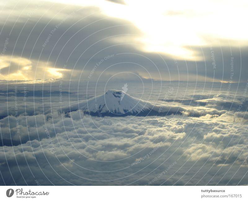 Natur Himmel Wolkenloser Himmel Sonnenaufgang Sonnenuntergang Berge u. Gebirge Vulkan Ferien & Urlaub & Reisen Farbfoto Luftaufnahme