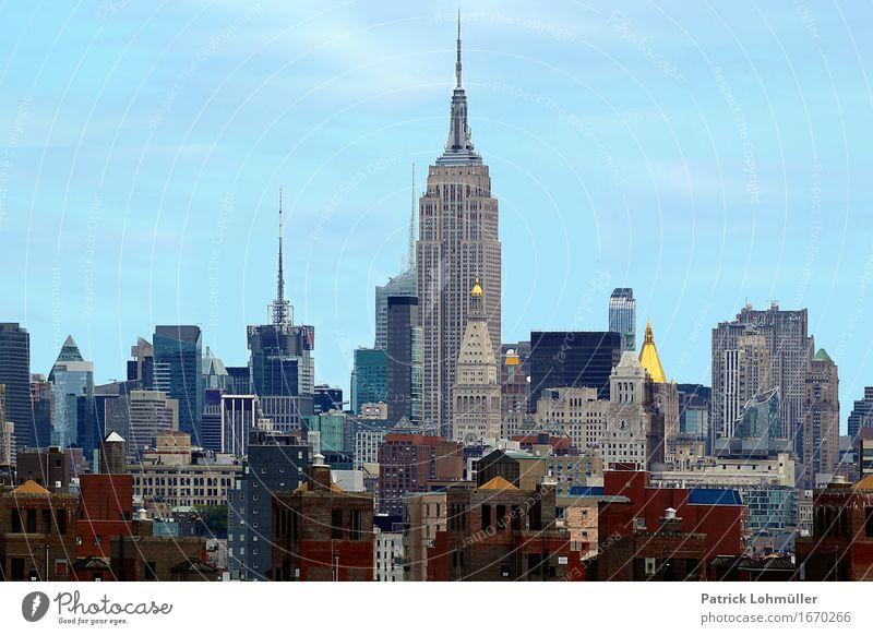 Hoch, höher am höchsten Himmel Ferien & Urlaub & Reisen Stadt blau Haus Umwelt außergewöhnlich Tourismus Büro Hochhaus ästhetisch Beton USA Skyline Wahrzeichen