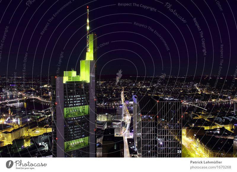 Stadtlichter Frankfurt Main Sightseeing Städtereise Arbeitsplatz Kapitalwirtschaft Geldinstitut Erfolg Umwelt Nachthimmel Horizont Frankfurt am Main Hessen