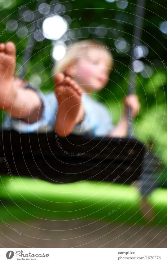 Schaukelei Mensch Kind Ferien & Urlaub & Reisen Pflanze Baum Freude Erwachsene natürlich Gras Gesundheit Glück Freiheit Geburtstag Mutter Wellness Wohlgefühl