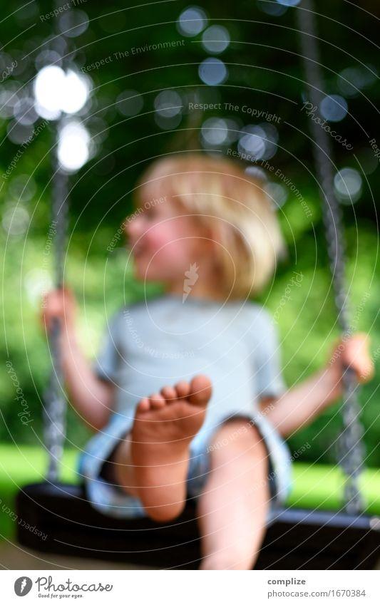 Sommer Schaukelei Freude Glück Gesundheit Zufriedenheit Freizeit & Hobby Abenteuer Sonne Geburtstag Mensch Kind Kleinkind Eltern Erwachsene Fuß 1 1-3 Jahre
