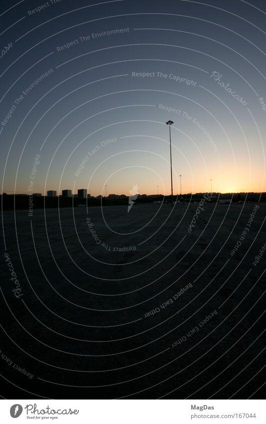 sunsetlisboa2 Farbfoto Außenaufnahme Menschenleer Textfreiraum rechts Textfreiraum oben Dämmerung Silhouette Horizont Sonnenaufgang Sonnenuntergang Sonnenlicht