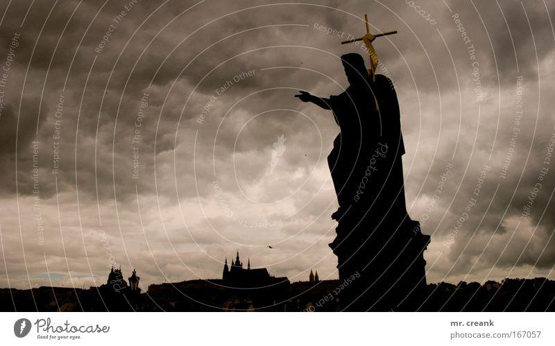 ora et labora Stadt ruhig Stimmung Religion & Glaube Kunst groß Europa Kirche Christliches Kreuz Statue Skulptur Jesus Christus Gott Hauptstadt geduldig