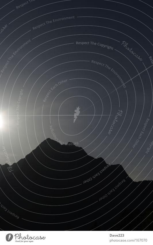 Verrirter Lichtstrahl Himmel blau weiß schön Ferien & Urlaub & Reisen Sonne Sommer schwarz Ferne Landschaft Berge u. Gebirge grau träumen Erde elegant wandern
