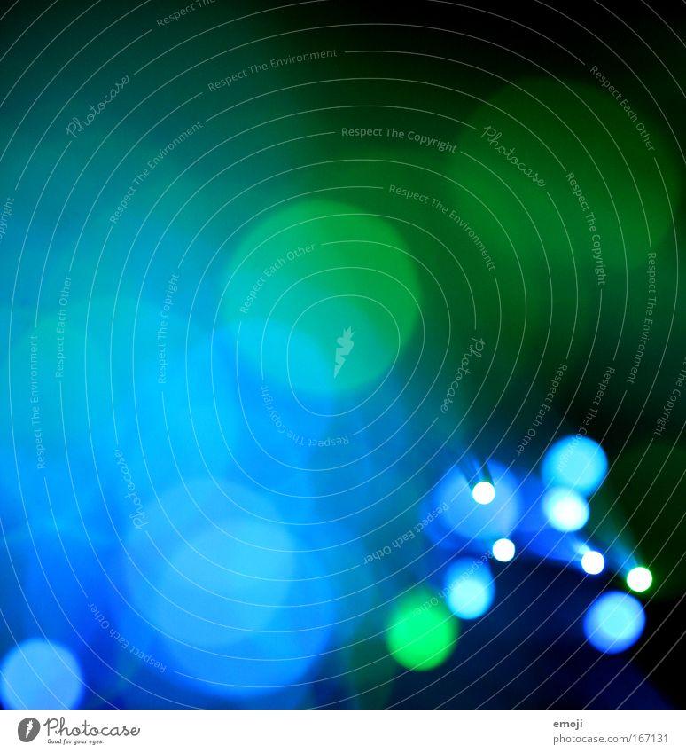 green and blue grün blau Farbfoto Experiment Licht Glasfaser Punkt Lichtpunkt Lichtfleck Unschärfe mehrfarbig Farbigkeit