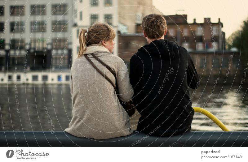 Gelber Stahl Mensch Jugendliche Wasser Sommer Freude Liebe Mann Berlin Erholung sprechen feminin Frau Paar Freundschaft Zusammensein