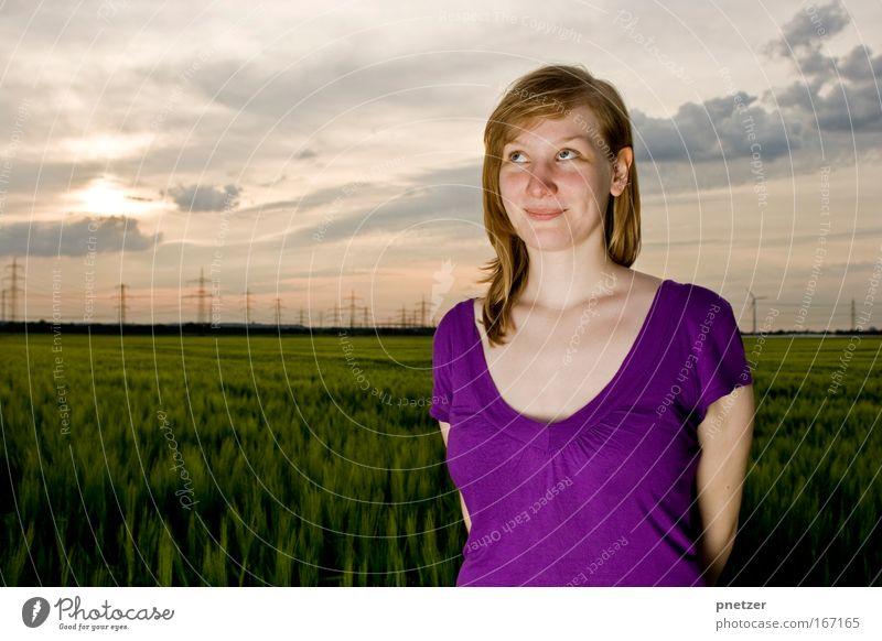 Kri Frau Mensch Himmel Natur Jugendliche Sonne Sommer Freude Wolken Erwachsene Gesicht feminin Leben Umwelt Landschaft Freiheit