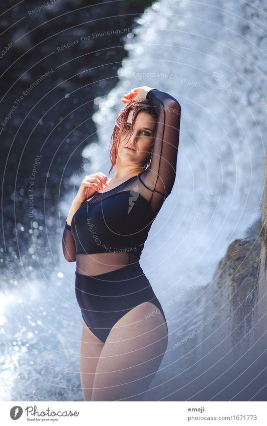 fresh feminin Frau Erwachsene Jugendliche 1 Mensch 18-30 Jahre Sommer Wasserfall Mode Bekleidung Bikini Badeanzug body schön Erotik Erfrischung Farbfoto