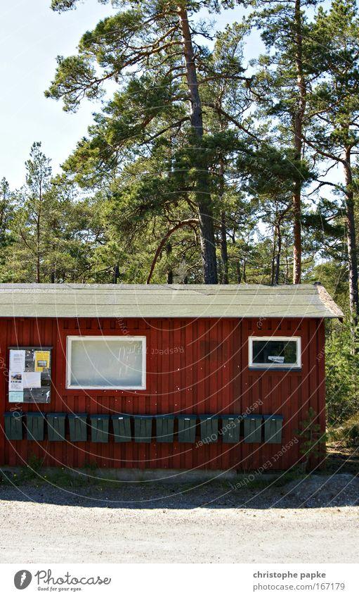 you got mail Ferien & Urlaub & Reisen Städtereise Sommerurlaub Baum Wald Schweden Dorf Stadtrand Haus Hütte Fassade Briefkasten Kommunizieren einfach Klischee