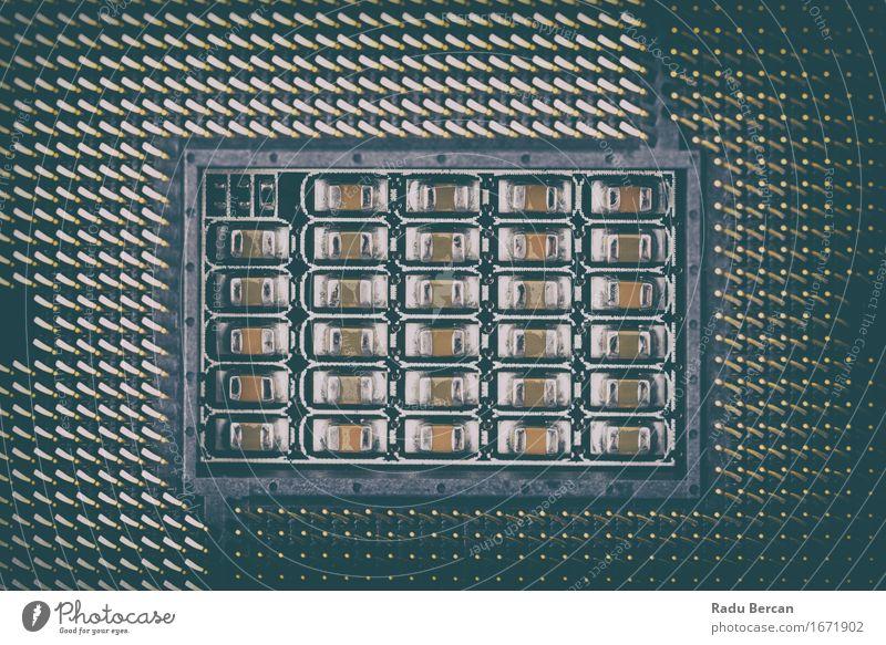 CPU-Sockel auf Computer-Motherboard Hardware Technik & Technologie Fortschritt Zukunft High-Tech Leistung Steckdose Hauptplatine Platine digital Makroaufnahme