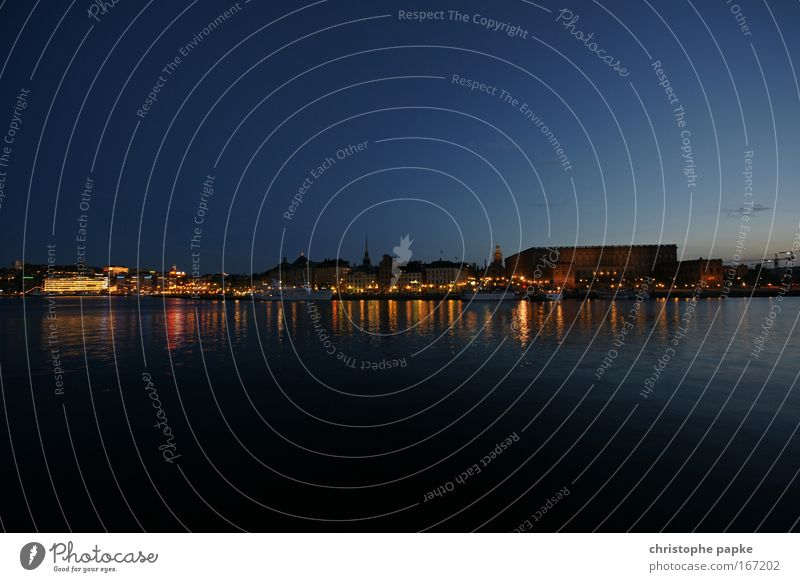Skeppsholmen Farbfoto Gedeckte Farben Außenaufnahme Menschenleer Textfreiraum oben Textfreiraum unten Abend Dämmerung Nacht Reflexion & Spiegelung