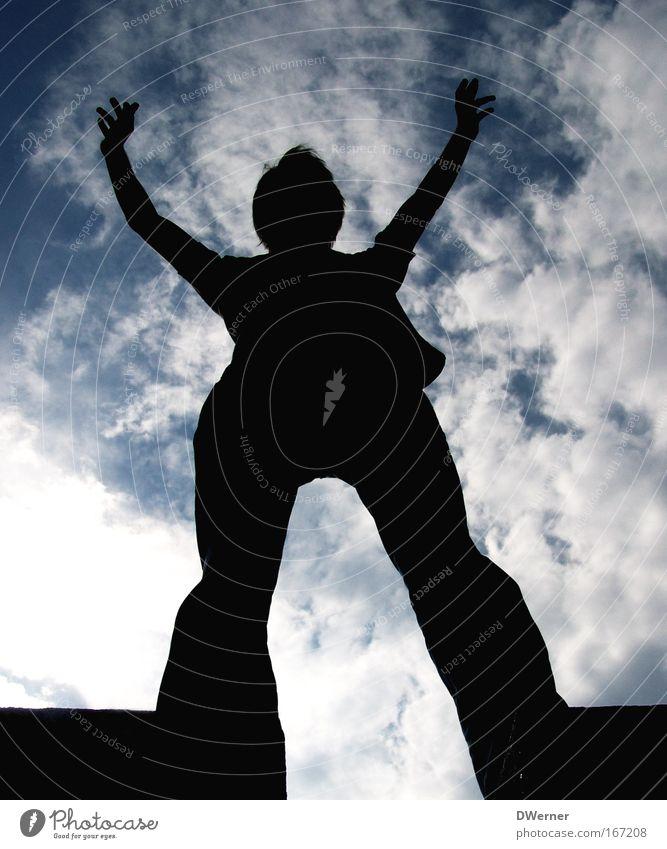 Touch the Sky Mensch Himmel Mann Jugendliche blau Ferien & Urlaub & Reisen Sommer Wolken schwarz Erwachsene Ferne Erholung Wand Religion & Glaube Erde Mauer