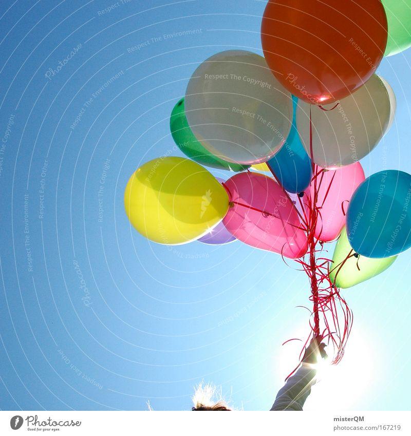 Aufsteiger. Farbfoto mehrfarbig Außenaufnahme Experiment abstrakt Textfreiraum links Tag Kontrast Silhouette Sonnenlicht Sonnenstrahlen Gegenlicht