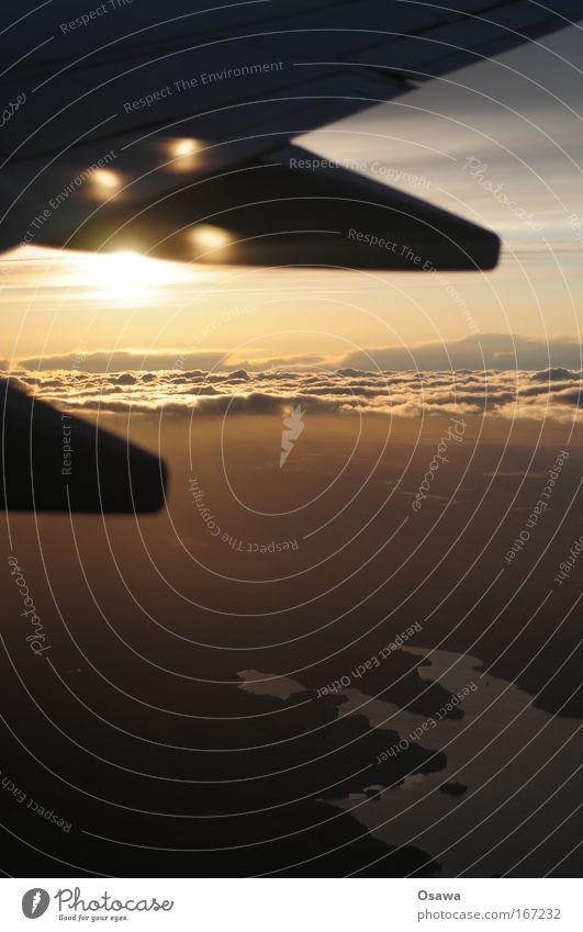 Fensterplatz Himmel Wasser Ferien & Urlaub & Reisen Sonne Freude Wolken ruhig Landschaft Luft Horizont Zufriedenheit fliegen Verkehr Flugzeug gefährlich Luftverkehr