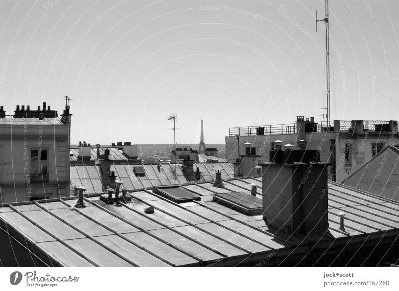 Dachorganisation Stadt schön ruhig Haus Stein Metall Horizont Fassade Tourismus Perspektive groß Dach historisch Sehnsucht Bauwerk Wolkenloser Himmel