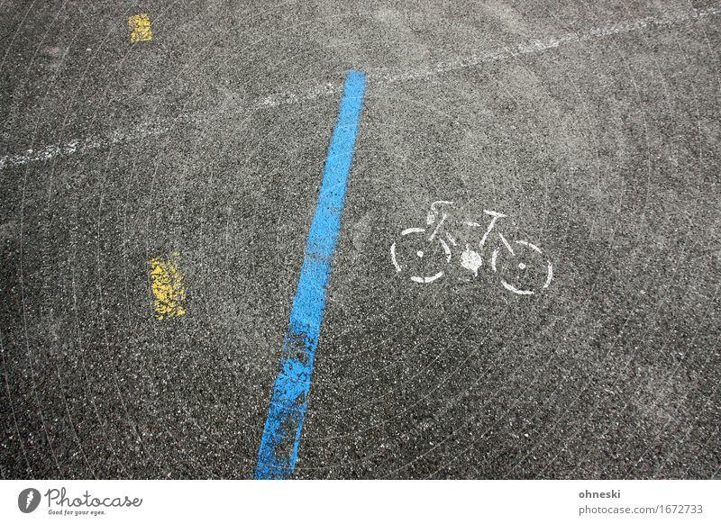 Parkplatz Stadt Verkehr Straßenverkehr Autofahren Fahrradfahren Wege & Pfade Verkehrszeichen Verkehrsschild Zeichen Schilder & Markierungen Linie Ordnung