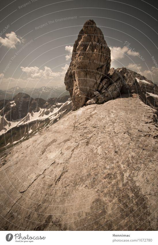 Wie lange hält er noch? Ferien & Urlaub & Reisen Tourismus Ausflug Abenteuer Ferne Freiheit Sommer Sommerurlaub Berge u. Gebirge wandern Natur Landschaft Himmel