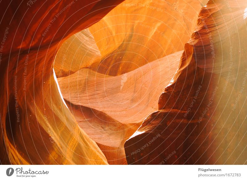 Upper Antelope Canyon [8] Ferien & Urlaub & Reisen Berge u. Gebirge Stein Sand Felsen Tourismus Ausflug berühren Hügel USA Amerika eckig Schlucht Farbenspiel