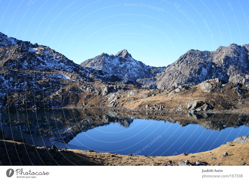 Träne Shivas Ferien & Urlaub & Reisen Wasser Sonne Landschaft ruhig Berge u. Gebirge Glück See Felsen träumen Seeufer Nepal friedlich Reinheit Himalaya Asien