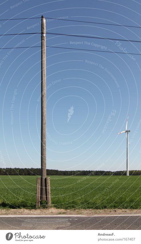 Windenergie Natur Gras Landschaft Feld Umwelt Energiewirtschaft Kabel Windkraftanlage Schönes Wetter Strommast ökologisch Leitung Klimawandel innovativ veraltet Wolkenloser Himmel